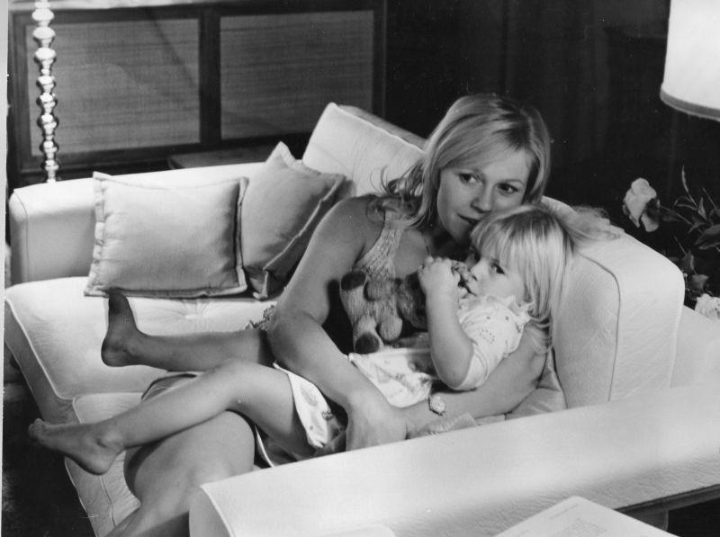 1970-08 Nilla och Mamma
